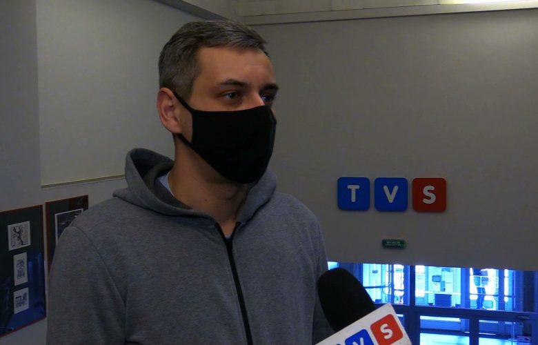 Aparat ma w oczach, klisze w głowie. Paweł Jędrusik z TVS nominowany do Grand Press Photo