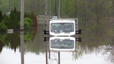 Woda pojawiła się nagle, jakby znikąd! Zalane miasta na Śląsku po nawałnicach i burzach liczą straty