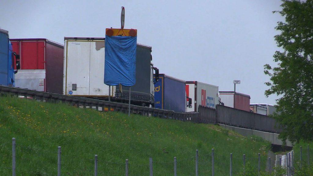 Gigantyczne korki i wypadek za wypadkiem!~Koszmarny poniedziałek na autostradzie A4
