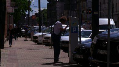Parkowanie w Katowicach jest od piątku droższe. Kierowcy za pierwszą godzinę płaca teraz o złotówkę więcej.
