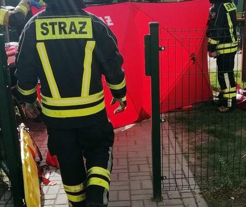 Cud w Bieruniu! Dziecko wypadło z 2. piętra. Wstał i pobiegł na plac zabaw (fot.www.112tychy.pl)