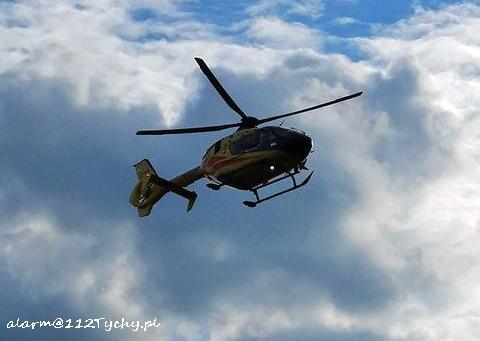 Dziecko po chwili wstało i pobiegło na plac zabaw! A na miejsce przyleciał helikopter Lotniczego Pogotowia Ratunkowego (fot.www112tychy.pl)