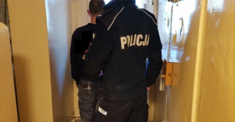 Poszukiwani uciekali ulicami Jastrzębia. Po ich auto przyjechała... pijana kobieta. Fot. Policja Śląska