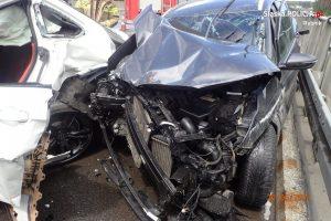 Śmiertelny wypadek na A1 w Rybniku. Zderzyły się dwie osobówki, jeden z kierowców zginął (fot.Policja Śląska)