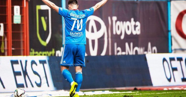 Kuba Świerczok z Piasta Gliwice ma szansę na Euro 2020! Paulo Sousa ogłosił szeroką kadrę (fot.GKS Piast Gliwice)