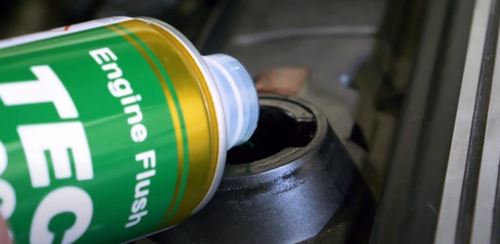 W jaki sposób można dbać o silnik samochodu? (foto: materiał partnera)