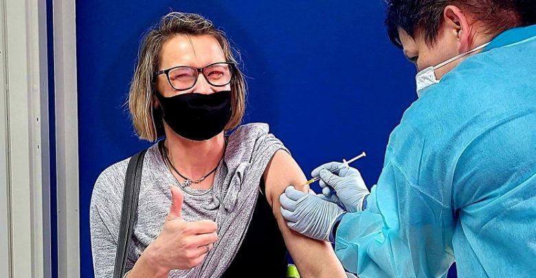 Ministerstwo zdrowia zaprezentowało dane z których wynika, że aż 98% zgonów na covid-19, to osoby niezaszczepione przeciwko koronawirusowi