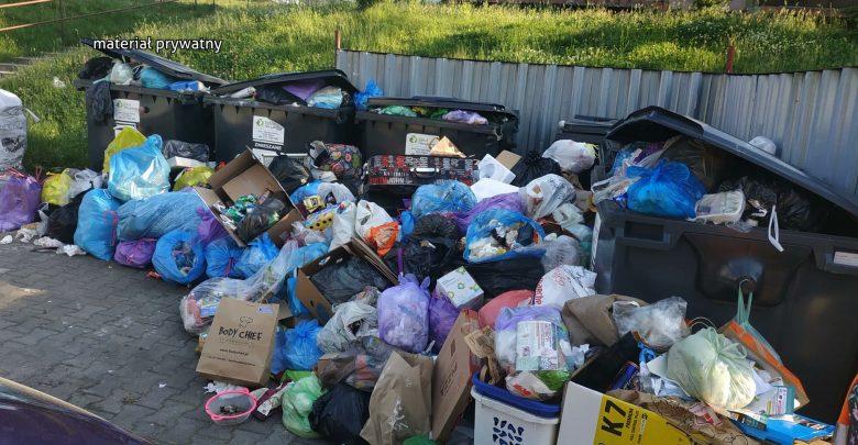 Co się dzieje ze śmieciami w Rudzie Śląskiej? Problem, że nic się nie dzieje, a śmieci już śmierdzą!