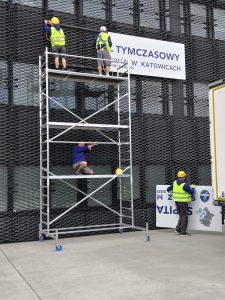 Szpital tymczasowy w Katowicach staje się już przeszłością. Ruszyła jego rozbiórka (fot.Fatima Orlińska)