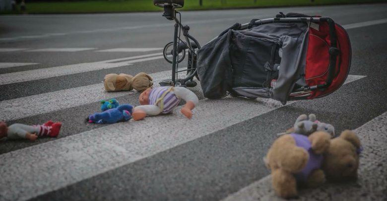 Śląska policja przestrzega przed wakacjami: Uważajcie, wypadek czyha na każdym kroku!