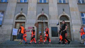 Protest ratowników medycznych przetoczył się przez Polskę. Na ulice wyszli także w Katowicach