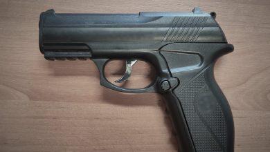Śląskie: Strzelał z pistoletu w przystanki autobusowe. Grozi mu 5 lat więzienia (fot.Śląska Policja)