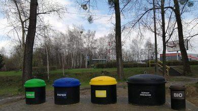 W Piekarach coraz więcej półpodziemnych pojemników na śmieci. Fot. UM Piekary Śląskie