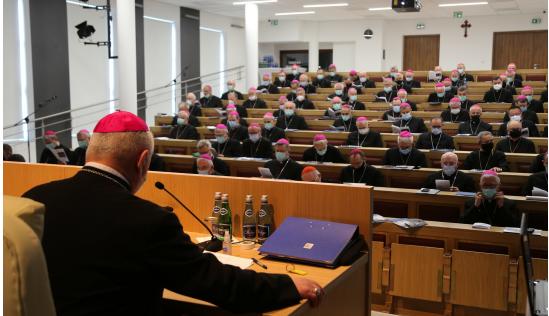Przez dwa dni biskupi zebrani w klasztorze ojców bernardynów będą rozmawiać na temat najważniejszych spraw Kościoła w Polsce. [fot. KEP]