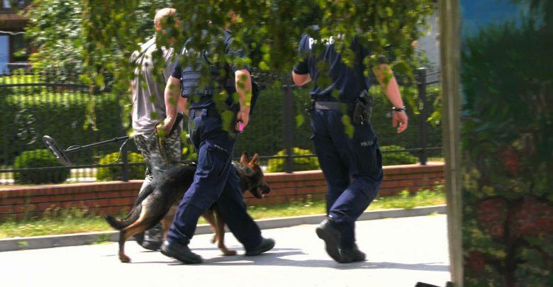 W najbliższym czasie policja zamierza wykorzystać do poszukiwania mężczyzny psów, które są szkolone do wyszukiwania zwłok. Bo jedna z hipotez mówi, że mężczyzna może już nie żyć