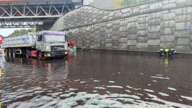Powalone drzewa, zalane ulice, korki. Nad Śląskiem i Zagłębiem przeszły potężne burze! (fot. KM PSP Piekary Śląskie)