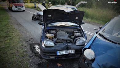 """83-latek sprawcą wypadku w Mikołowie. Nie wiadomo, czy mężczyzna jeszcze usiądzie za """"kółkiem"""" (fot.KPP Mikołów)"""