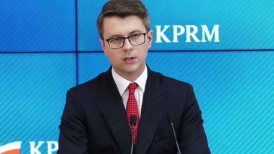 """Niezaszczepionych w Polsce czekają nowe obostrzenia? Rzecznik rządu: """"Osoby które są zaszczepione nie będą podlegały limitom"""""""
