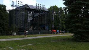 Rozpoczyna się duża impreza w Parku Śląskim - Fest Festival. Od rana do Chorzowa fani muzyki zjeżdżali z różnych części Polski.