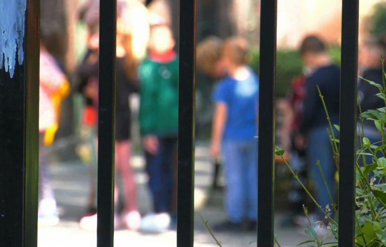 Zakażenia koronawirusem wykryte w szkołach. Niektóre klasy mają już naukę zdalną