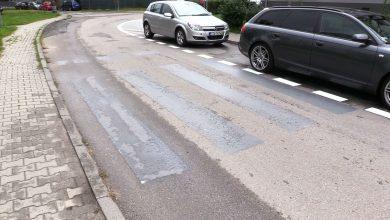 Burmistrz Miasteczka Śląskiego zwinął przejścia dla pieszych i zrobił miejsca parkingowe