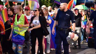 Policja w Katowicach musiała dzisiaj w Katowicach zabezpieczać 10 zgromadzeń, choć tak na prawdę to jeden i ten sam Marsz Równości (fot. KWP Katowice)