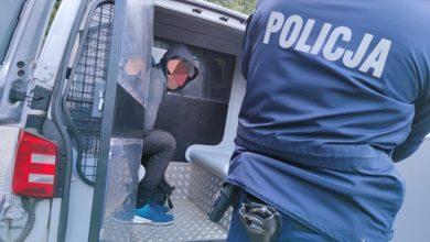 Policja z Pszczyny zatrzymała nielegalnych imigrantów z Afganistanu i Pakistanu. Fot. Policja Śląska