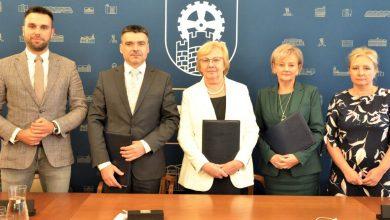 Umowa na przebudowę ul. Mikulczyckiej w Zabrzu podpisana. Fot. UM Zabrze