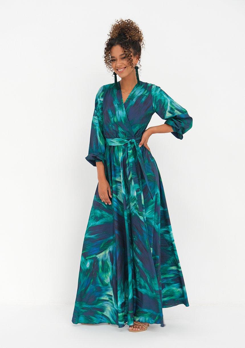kopertowa sukienka maxi (fot. mat. partnera)