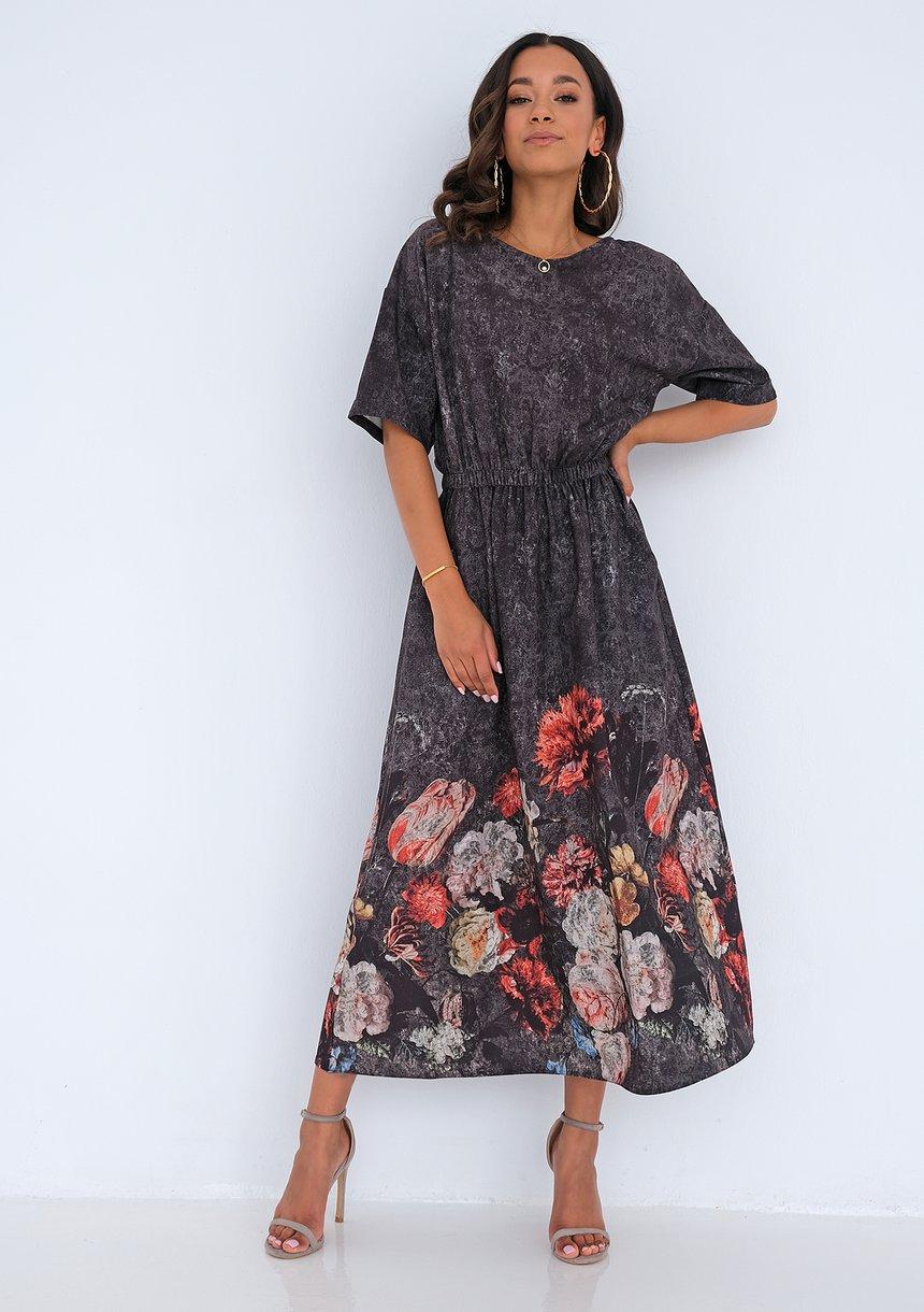 sukienka midi (fot. mat. partnera)