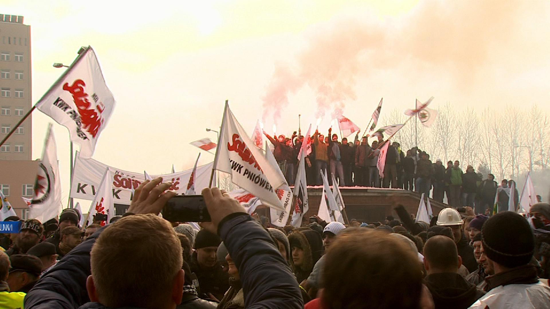 Reprezentanci organizacji związkowych z Polskiej Grupy Górniczej powołali 27 stycznia w Katowicach wspólny sztab protestacyjny-strajkowy (fot.poglądowe - archiwum)