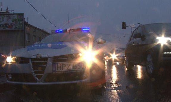 Obława w Krakowie! Bandyci ukradli walizki ze złotem. Uciekli VW Passatem na śląskich rejestracjach