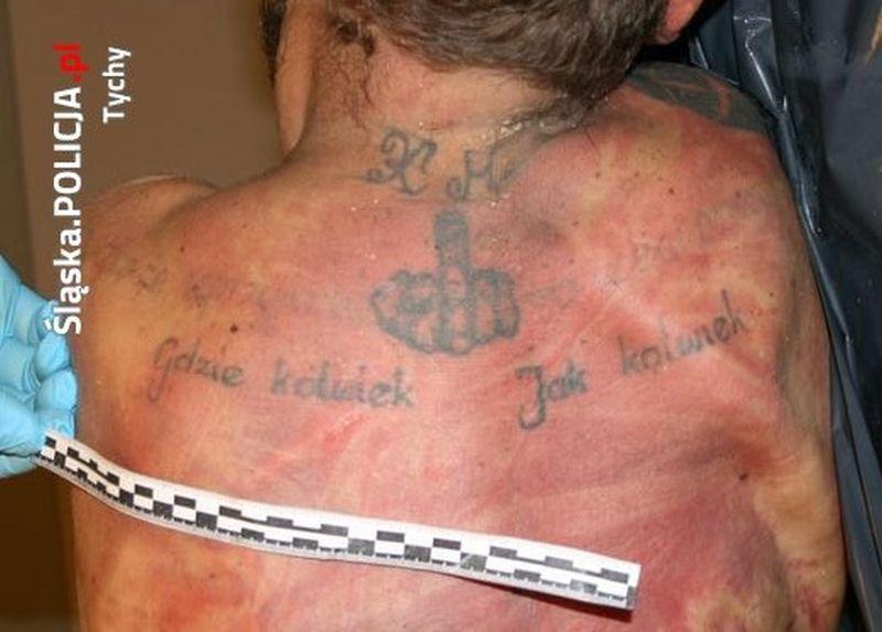 Zwłoki Nn Z Błędem Ortograficznym W Tatuażu Zdjęcia Kto