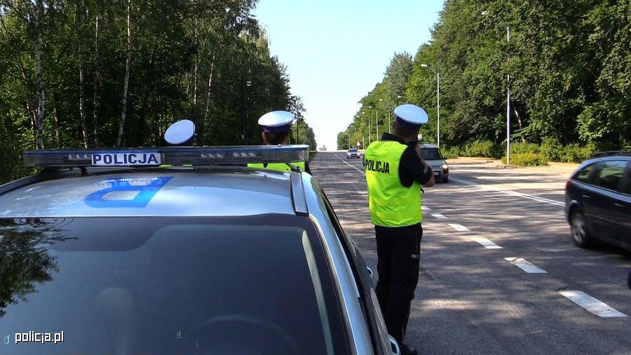 Przed nami długi weekend i więcej policji na drogach